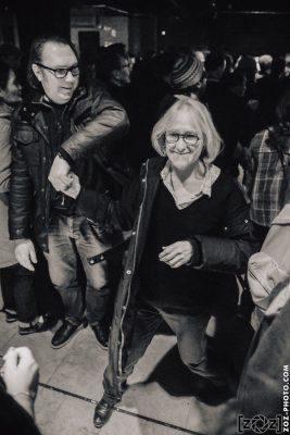 [zOz] journal: Olivia (compagne de Schultz) dansant le rock au Chinois (Montreuil), le 12 novembre 2017.